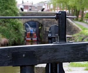Canal-lock-gate
